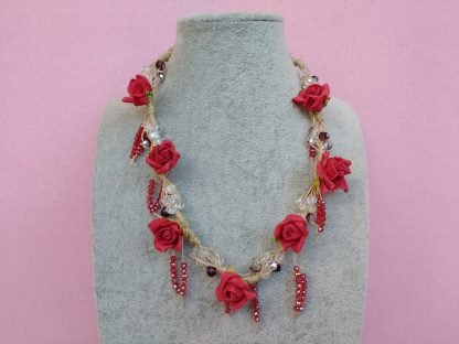Collana con Fiori in Carta Vellutata Rossa e Perle, Bigiotteria Artigianale