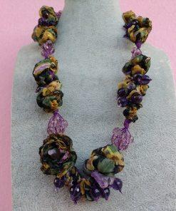 Collana con Fiori in Organza Gialla, Verde, Viola e Perle, Bigiotteria Artigianale