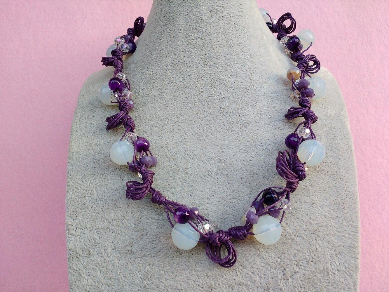 andare online carino e colorato acquista per il meglio Collana di Perle Bianche e Viola