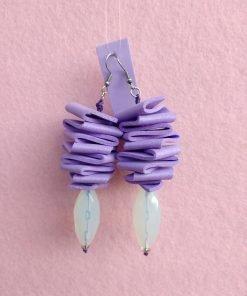 Orecchini Pendenti in Gomma Crepla Lavanda con Perle, Bigiotteria Artigianale