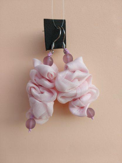 Orecchini Pendenti in Organza Rosa con Perle, Bigiotteria Artigianale