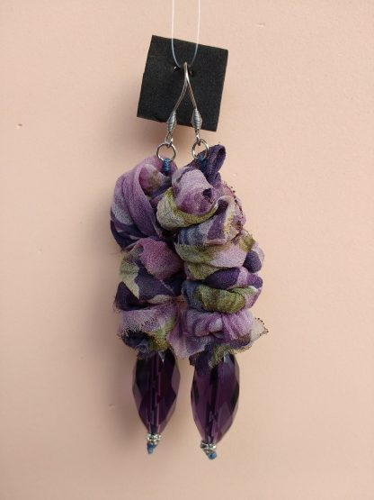 Orecchini Pendenti in Organza Verde e Viola con Perle, Bigiotteria Artigianale