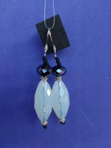 Orecchini Pendenti di Perle Bianche e Blu, Bigiotteria Artigianale