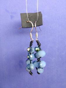 Orecchini Pendenti di Perle Fiordaliso Aurara Boreale, Bigiotteria Artigianale