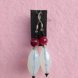 Orecchini Pendenti di Perle Fucsia e Bianche, Bigiotteria Artigianale