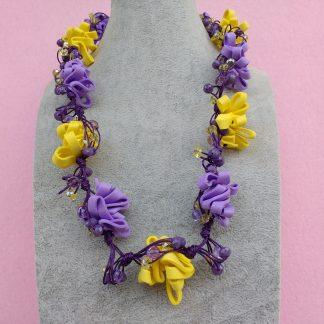 Collana in Gomma Crepla Gialla e Viola con Cristalli e Perle, Bigiotteria Artigianale