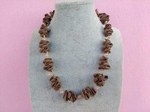 Collana in Gomma Crepla Marrone con Perle, Bigiotteria Artigianale