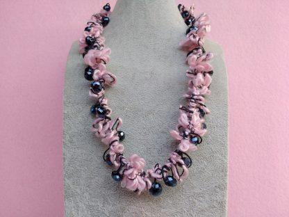 Collana in Lana Rosa con Cristalli, Bigiotteria Artigianale