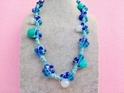 Collana di Perle in Vetro e Mezzo Cristallo Bianco, Azzurro, Blu e Turchese