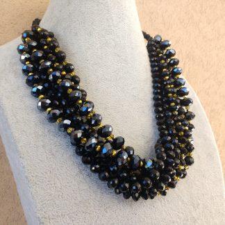 Collana Elegante di Perle Nere e Oro