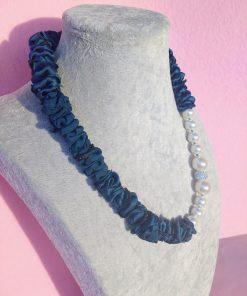 Collana di Perle Finte Bianche con Seta