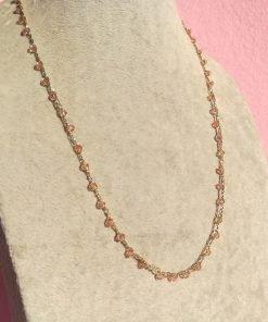 Collana Artigianale all'Uncinetto con Piccoli Cristalli Bicono Rosa Antico
