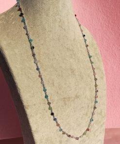 Collana Lunga Colorata all'Uncinetto e Piccoli Cristalli Bicono