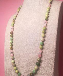 Collana Verde Lunga con Pietre Dure di Crisoprasio, Quarzo Rosa e Rondelle con Luminosi Strass Trasparenti